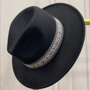 chapeau noir etnic